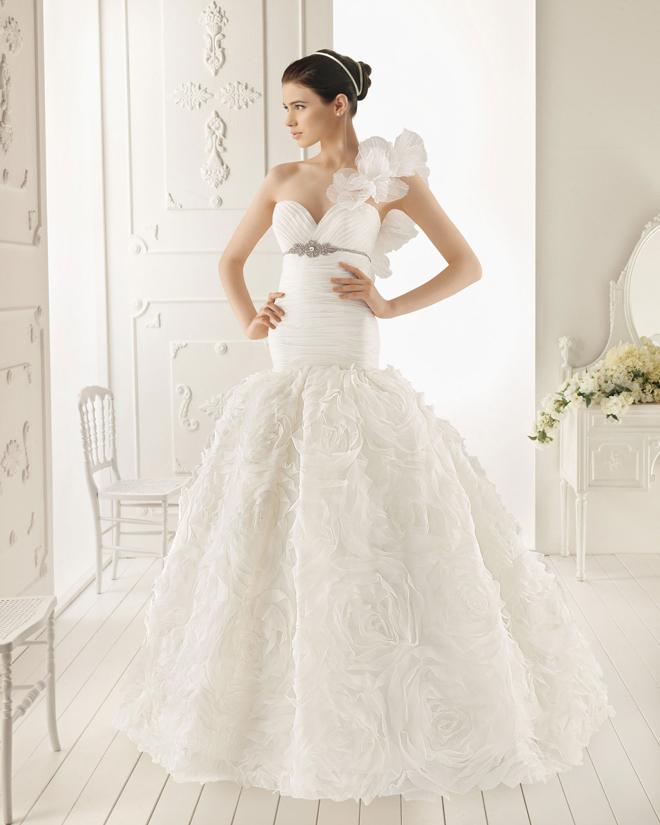 ชุดแต่งงาน AIRE BARCELONA 2013