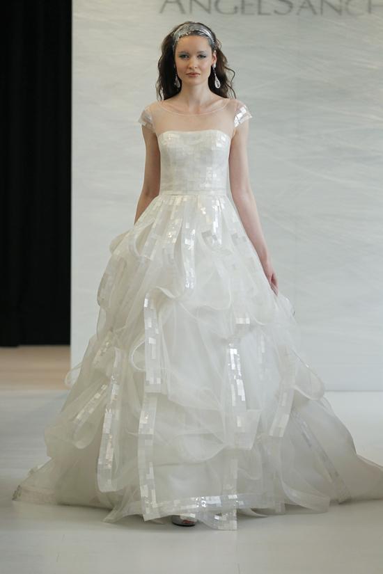 ชุดแต่งงานANGEL SANCHEZ 2013