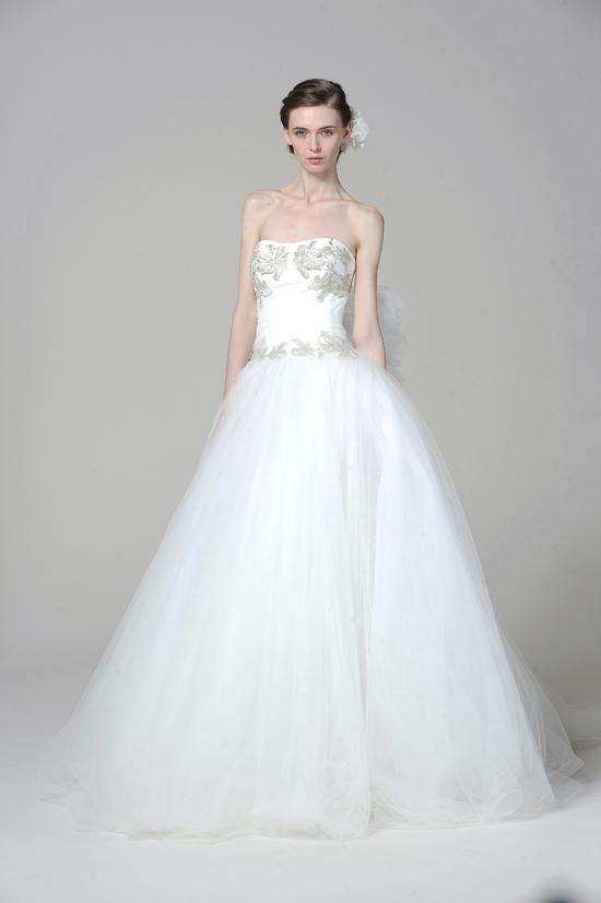 ชุดแต่งงาน MARCHESA 2013